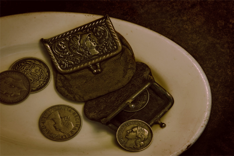 Purses on a Plate (Alphabet Series #2-P)
